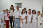 Prefeito e equipe do hospital
