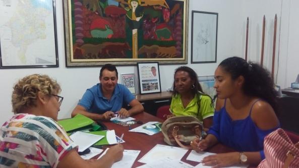 Nila Fialho (IBAM) em reunião com a equipe da prefeitura de Bequimão