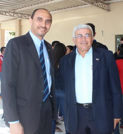 João Martins (diretor superintendente do Sebrae/MA) com o chefe-geral  da Embrapa Cocais, Valdemício Ferreira, possível parceiro do futuro Polo de Empreendedorismo Rural da Baixada Maranhense.