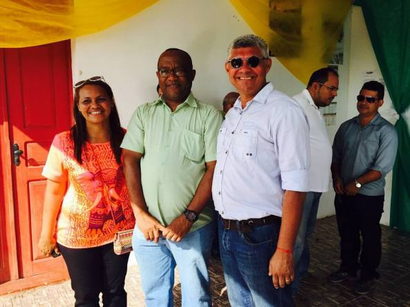 Secretária de Cultura (Dinha), Prefeito Zé Martins e o Gestor da SEIR