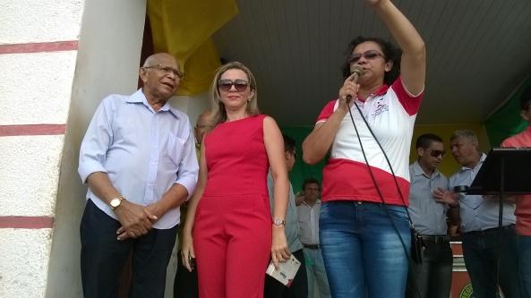 Ex-prefeito Juca Martins, ao lado da nora Vânia Martins e da professora Dijé