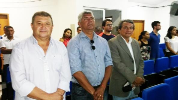 Prefeito Zé Martins ao lado do Radialista Paulinho Castro no momento da cerimônia