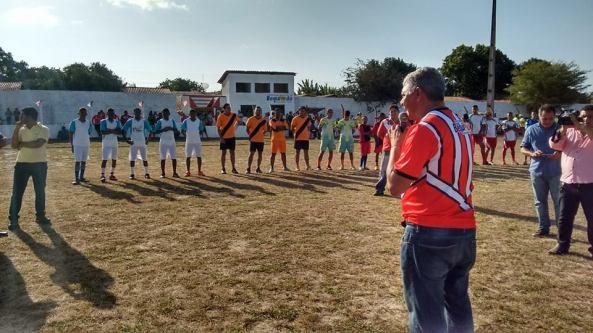 Zé Martins falando de sua luta para melhorar as condições do esporte em Bequimão