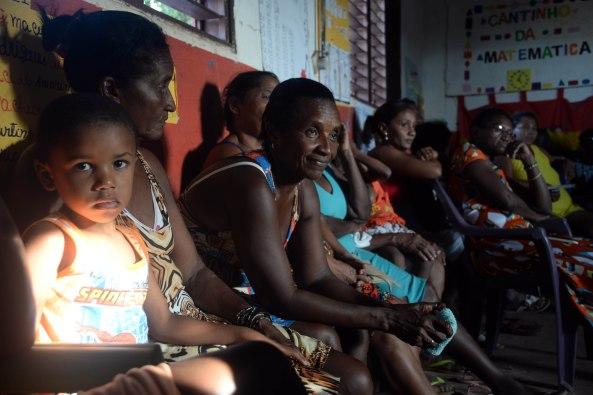Quebradeiras de Côco da área de quilombos do município de Bequimão