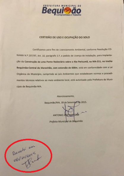 Documentação entregue por Zé Martins nas mãos de Jorge Kusaba (SINFRA)