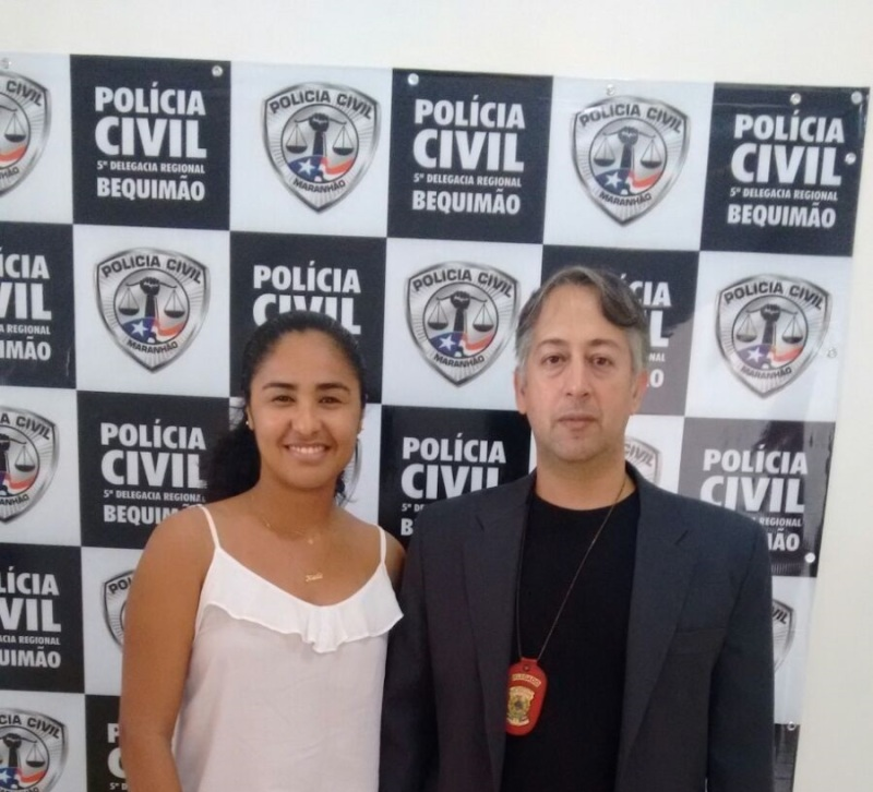 Secretária Keila Soares ao lado do Delegado Carlos Renato