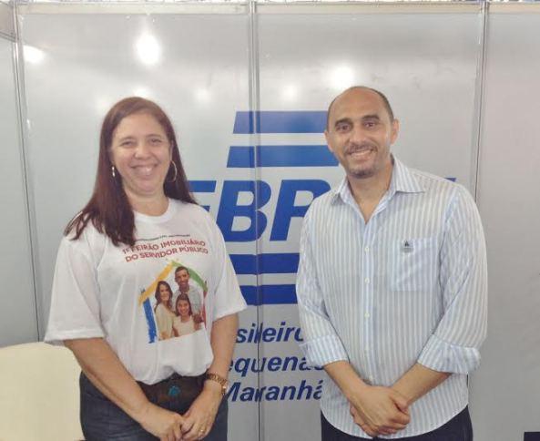 A secretária de Cidades, Flávia Alexandrina Moreira e o superintendente do Sebrae, João Martins.