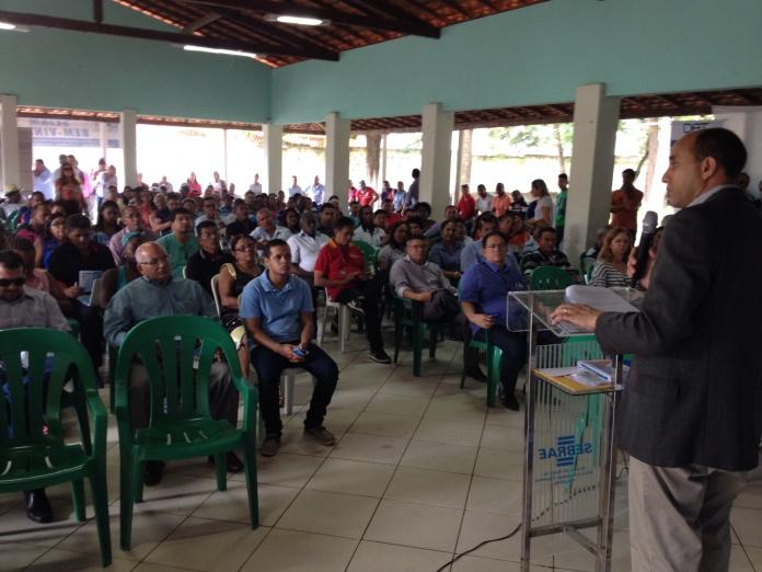 O diretor superintendente do Sebrae no Maranhão, João Martins, apresentou os objetivos do projeto a prefeitos, secretários, empresários e entidades representativas da sociedade civil dos municípios