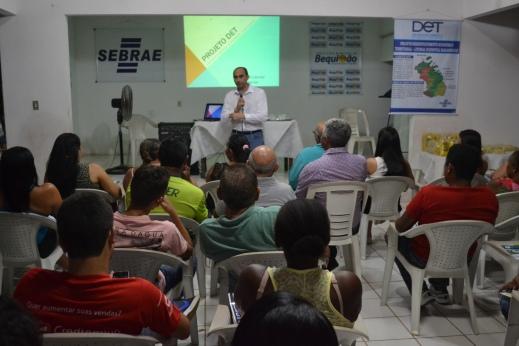Em Bequimão, a apresentação do projeto DET Litoral Ocidental Maranhense, do Sebrae, foi feito pelo diretor superintendente da instituição, João Martins