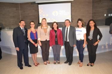 A diretora de administração e finanças do Sebrae no Maranhão, Rachel Jordão e os parceiros do SEBRAE no Maranhão, na realização do evento.