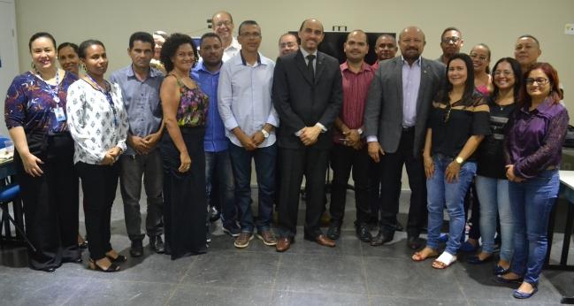 Diretores e técnicos do Sebrae, o prefeito eleito de Alcântara e futuros secretários municipais da cidade participaram da reunião no Sebrae Jaracaty
