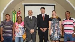 Com membros da Associação dos Agricultores Familiares, Pescadores Artesanais e Vendedores do Porto do Cujupe (AVTEC), o presidente da Emap, Ted Lago e os diretores do Sebrae MA – João Martins (superintendente) e Rachel Jordão( Administração e Finanças).