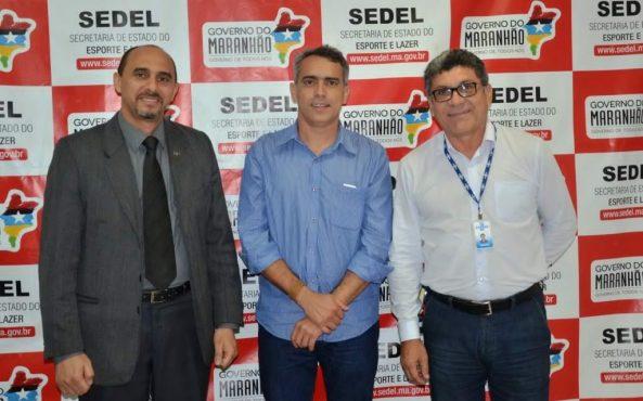 Secretário-Márcio-Jardim-discute-proposta-de-projeto-com-superintendente-do-Sebrae-Maranhão-João-Martins.-1024x639